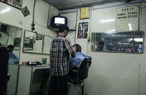 potong rambut surabaya 05